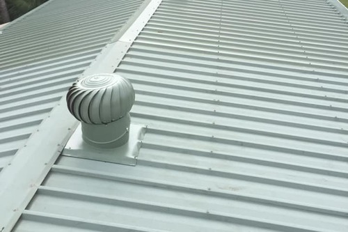 https://luminousau.s3.amazonaws.com/uploads/website_image/account/1281/preview_Hasting_Installing_Gutter_Guard.jpg