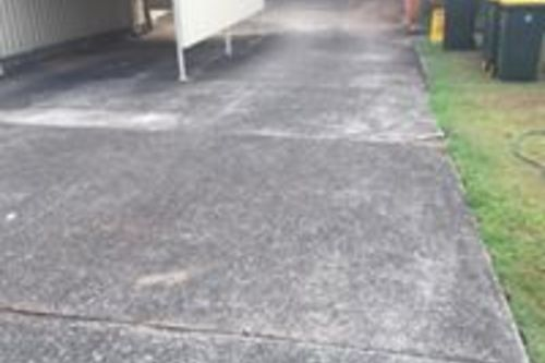 https://luminousau.s3.amazonaws.com/uploads/website_image/account/1282/preview_Hasting_Driveway_Cleaning_Before..jpg