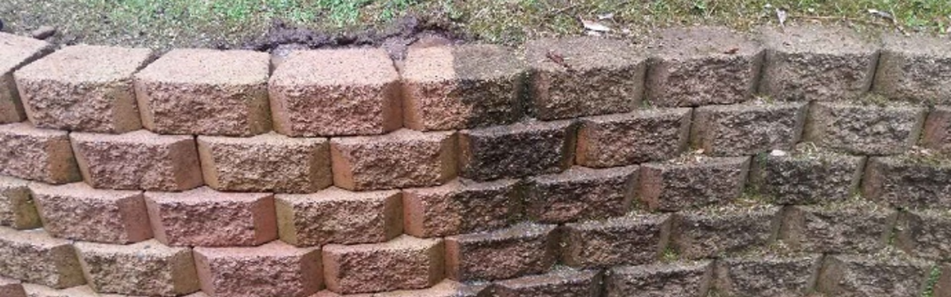 Retaining_Wall_Pressure_Cleaning_Central_Coast.jpg