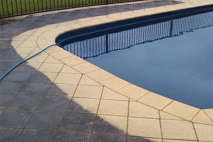 pool_paver_cleaning.jpg