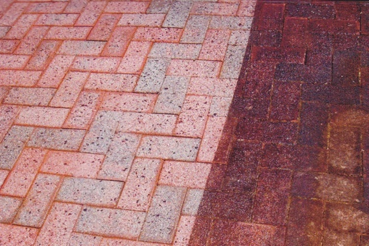 Paver_Cleaning.jpg