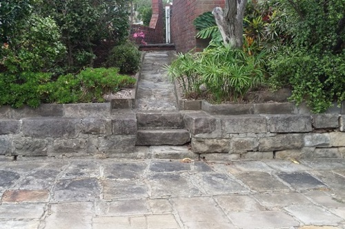 Sandstone_driveway_pathway_steps_and_wall_before_cleaning.jpg