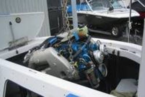 https://luminousau.s3.amazonaws.com/uploads/website_image/category_element/1385/preview_Boat_Engine_Repair.jpg
