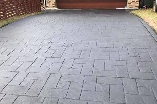 Stamped_Concrete_Driveway_Sealing.jpg
