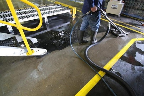 https://luminousau.s3.amazonaws.com/uploads/website_image/category_element/1793/preview_Factory_Floor_Cleaning.jpg
