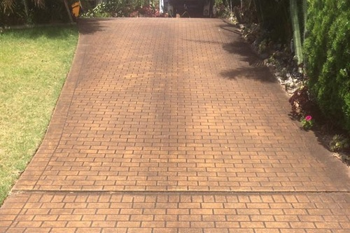https://luminousau.s3.amazonaws.com/uploads/website_image/category_element/1911/preview_Stencilcrete_Driveway_Before_Cleaning.jpg