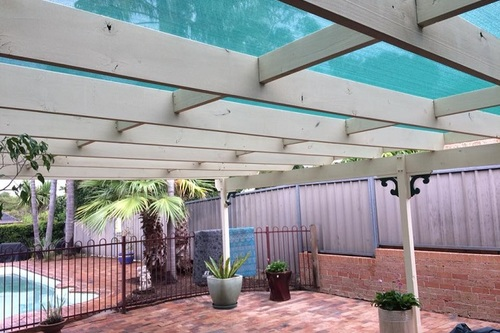 Mould_on_timber_pergola_removed.jpg