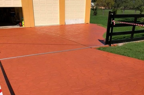 https://luminousau.s3.amazonaws.com/uploads/website_image/category_element/1921/preview_Stencilcrete_Driveway_Painting.jpg