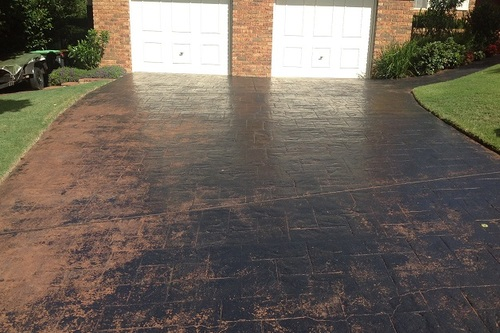 https://luminousau.s3.amazonaws.com/uploads/website_image/category_element/1942/preview_Stamped_Concrete_Driveway_Paint_Wearing.jpg