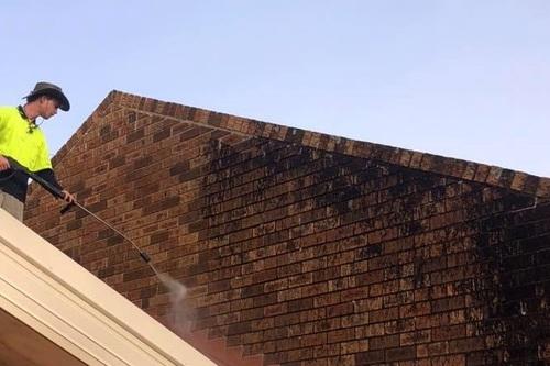house_brick_cleaning.jpg