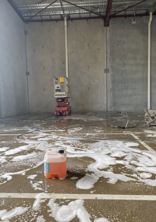 https://luminousau.s3.amazonaws.com/uploads/website_image/category_element/2313/vertical_concrete_cleaning_5.JPEG