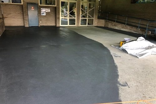 concrete_floor_during_painting.jpg