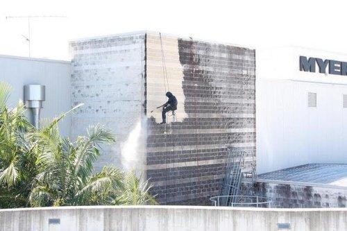 Sunshine_Plaza_Exterior_Building_Washing.jpg