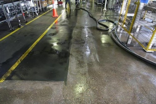 https://luminousau.s3.amazonaws.com/uploads/website_image/category_element/420/preview_Concrete_Floor_Cleaning_Degreasing.jpg