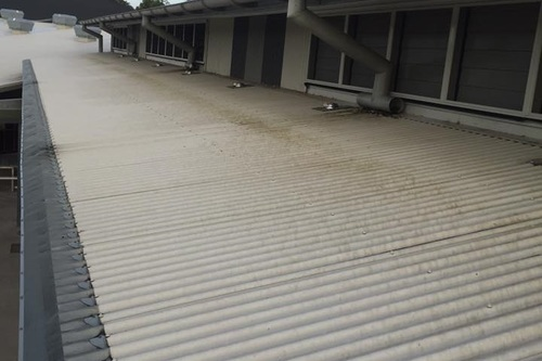 School_roof_colorbond_metal_with_mould.jpg