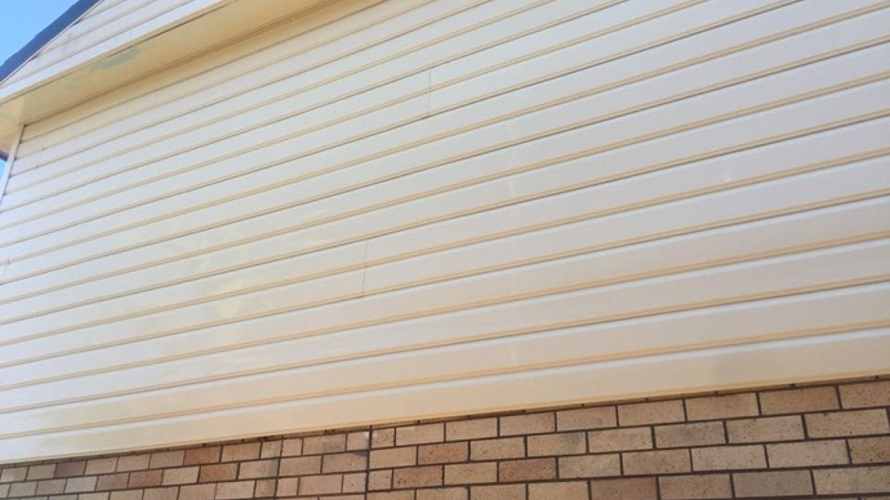 House_side_wall_cladding_cleaning_in_Port_Macquarie.jpg