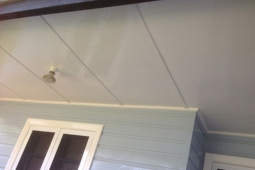 Mould cleaning from home exterior eaves