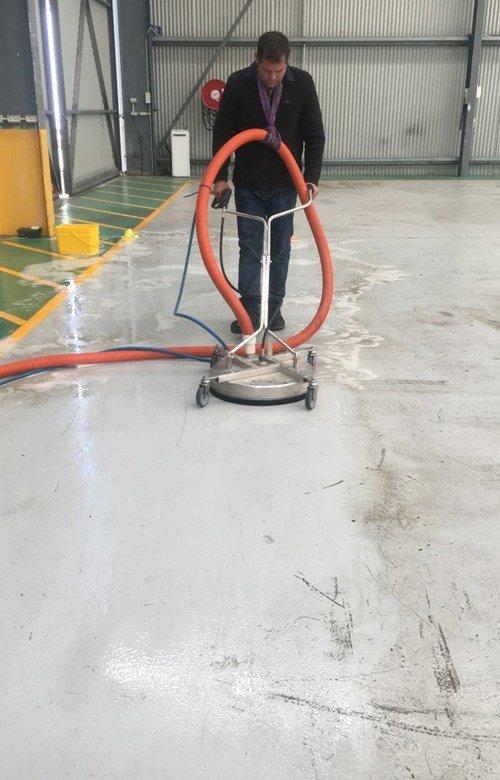 https://luminousau.s3.amazonaws.com/uploads/website_image/website/page/2559/vertical_Factory_Floor_Cleaning.jpg
